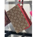 COACH CORNER ZIP WRISTLET (KHAKI/TRUE RED) READY KL